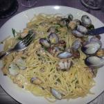 Spaghetti alle vongole...molte delle quali già divorate!!!