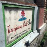Papan Nama Tunjung Bali Inn