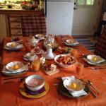 Petit déjeuner et jardin arrière