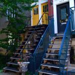 Très belles maisons avec leurs escaliers extérieurs, belles photos à faire
