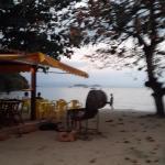la petite plage devant l'hôtel