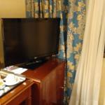 TV Y ESCRITORIO