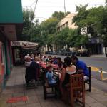 Mesas en la calle