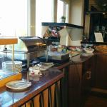 Da wir offenbar die einzigen Gäste sind, ist das Frühstücksbuffet sehr übersichtlich
