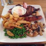 Mixed grill & steak pudding