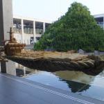 現在展示中の蓬莱山(蔡國強)