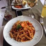 La comida deliciosa, la vista increíble y el servicio muy bueno! Súper recomendado!