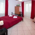 Strawberry House B&B Roma - camera rossa matrimoniale - red room double