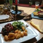 Przygotowane gotowe zestawy obiadowe, bardzo smaczne i syte w przystepnej cenie.