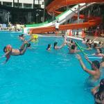 deniz taşlık çocuklar girmeye korktu, ama havuzda çok eğlendiler
