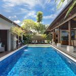 Lakshmi Villas - Toba - The Pool