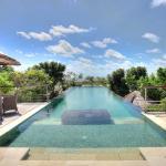 Indah Manis - Infinity Pool