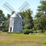 Adjacent Windmill next to Orleans Inn