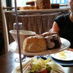 Afternoon Tea La Bonne Auberge