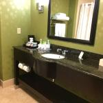 Photo de Holiday Inn Express Hotel & Suites Knoxville Clinton