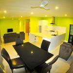 303 Suite-Dining Area