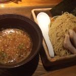 初めて食べる五行の「つけ麺」