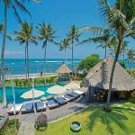 Taman Ahimsa - Pool beachfront