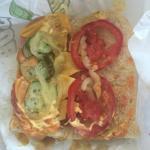 на фото саб Итальянский БМТ с дополнительной порцией сыра и ВСЕМИ овощами кроме лука!