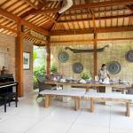 Villa Sati - Dining