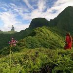 Bernard entouré de Anuhe, et qui admire nos magnifiques montagnes