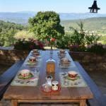 Petits déjeuners en terrasse l'été !