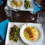 Plat du jour risotto et sa brochette de saumon humm un regale