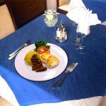 Tomini alla piastra con polenta di Storo e Finferli della Val di Sole