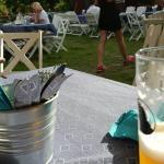 Urwitz repar... enkelt mm. 25 grader. Bra öl och mat. Vinet är ännu bättre. Priserna otroliga. B