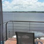Vista desde los balcones de las habitaciones que dan al rio