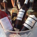 Κάποια απο τα κρασιά που προσφέρει το μαγαζί!!