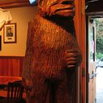 Foto de Sasquatch Inn Ltd