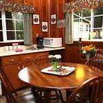 Fern Grove Cottage - Russian River Bed & Breakfast Inn