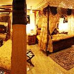 The Dola Maru Suite is superb stay choice for love mates, honeymooners and the luxury rooms