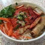 Vermicelli bowl with chicken and egg roll