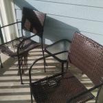 Shredded balcony chair