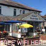Free wifi and lots of football shown inside and outside and the big 6ftx6ft screen