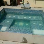 Vasca idromassaggio e balcone