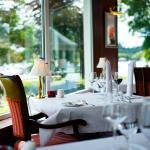 Lakeside Restaurant at Harvey's Point (144177985)