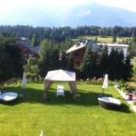 Jardin avec tente de massage