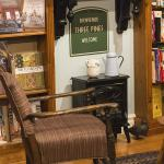 "Luise Penny fans - the ""Three Pines Bookstore""!"