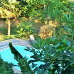 """vue sur la piscine de la Chambre """"les Contes"""""""