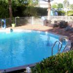La petite piscine de l'hôtel.