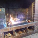 cheminée avec grillades