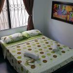 Habitación con Tv, Ventilador y Baño Compartido