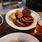 The Village Pub ローストビーフ