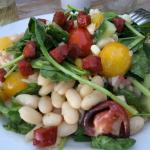 Bean and spinach salad. A full meal in itself. Delicious!