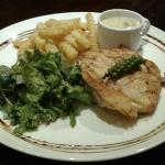 Chicken breast with mustard sauce - salsd and chips