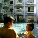 pool @ berry hotel