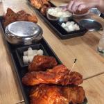 สั่ง size m ไก่ไม่มีกระดูก เอา original กับ spicy ส่วนสะโพก